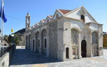 Εξωραισμός προαυλίου εκκλησίας Παναγίας Ιαματικής